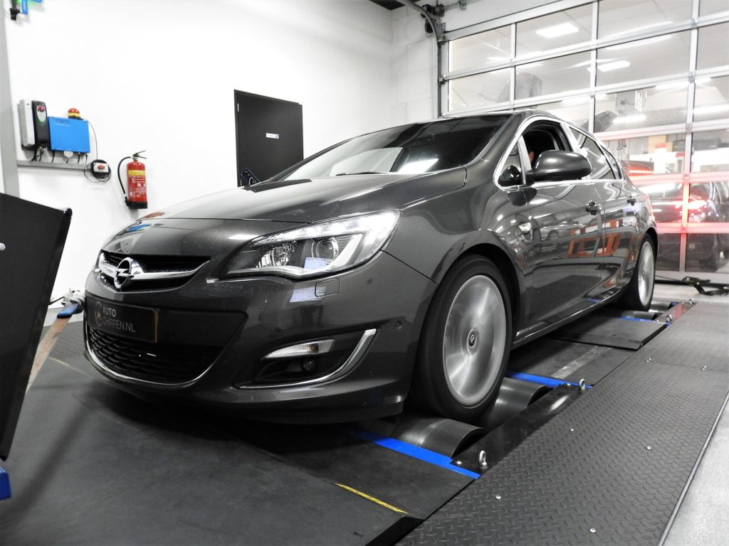 Opel Astra 1.4T
