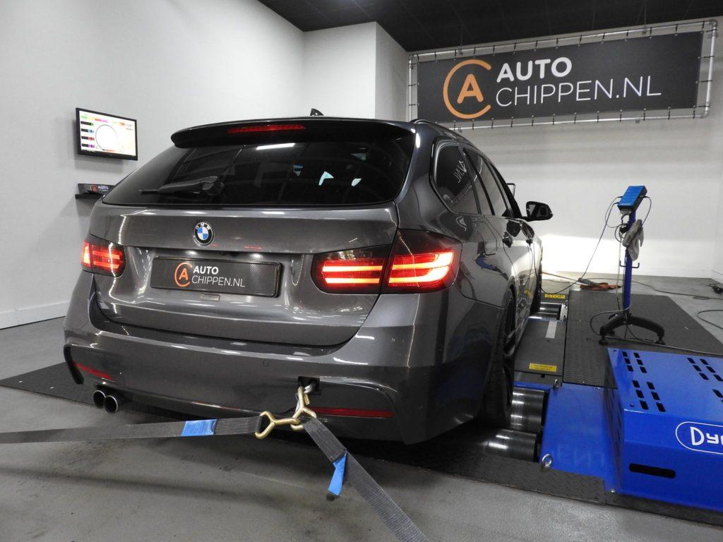 BMW335